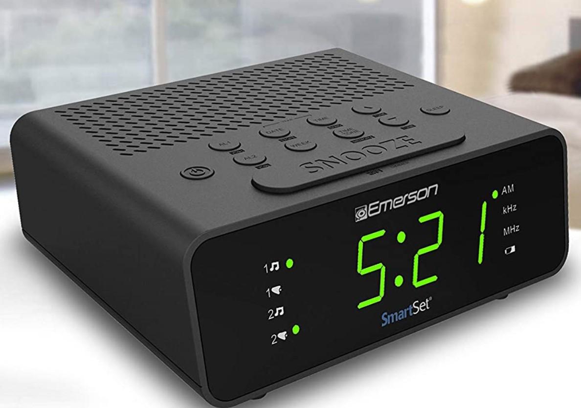 Emerson SmartSet Alarm Clock Radio with AM FM Radio